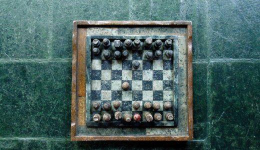 論理クイズ「2人の囚人とチェス盤」解説英文の意訳